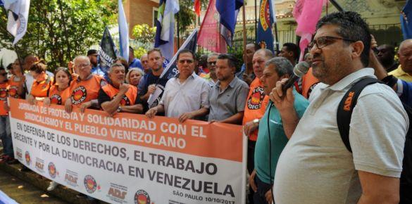 Trabalhadores fazem Ato em solidariedade ao povo da Venezuela