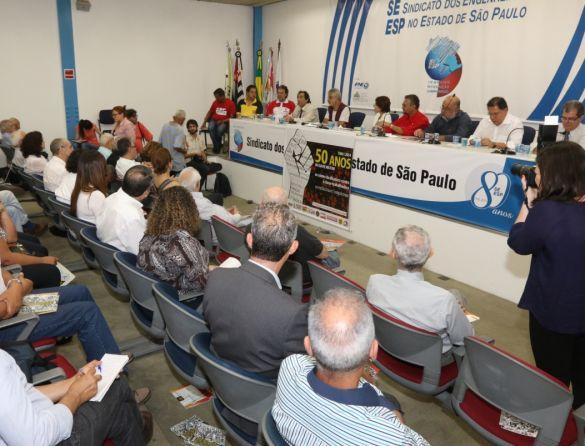 GT entrega à Dra Rosa Cardoso relatório sobre perseguição aos trabalhadores