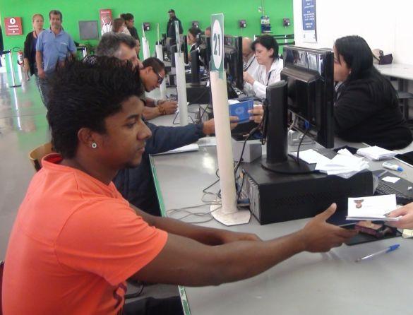 Crise força jovens a sair em busca de emprego