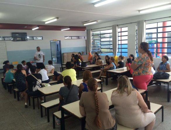 Presidente Pedro Zanotti Filho na escola Carolina Maria de Jesus.
