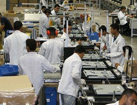 Produção industrial avança em 10 de 14 regiões em março, diz IBGE