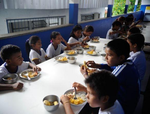De 71 países, Brasil é o 62º na quantidade de estudantes que vão bem em avaliação internacional apesar da situação de pobreza, os chamados resilientes; baixa rotatividade de professores e atividades extraclasse têm efeitos positivos no resultado