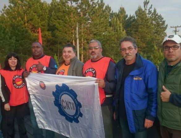 Manifestações mobilizam mais de 5 mil trabalhadores no Complexo Automotivo de Gravataí