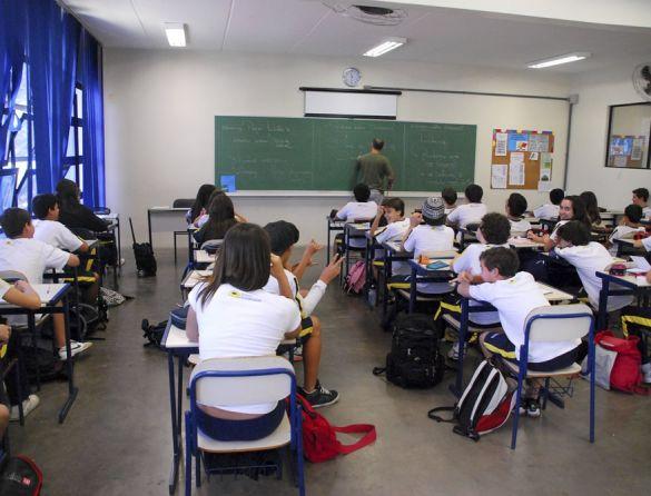 Só 31 escolas públicas com alunos de baixa renda mantêm excelência no ensino desde 2011, diz pesquisa