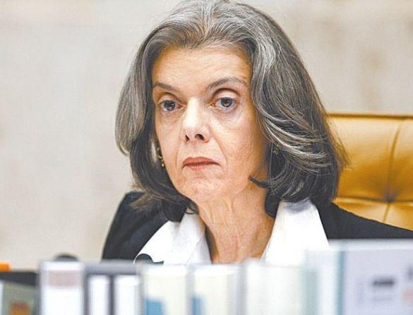 Sociedade brasileira ainda é patrimonialista e machista, diz Cármen Lúcia