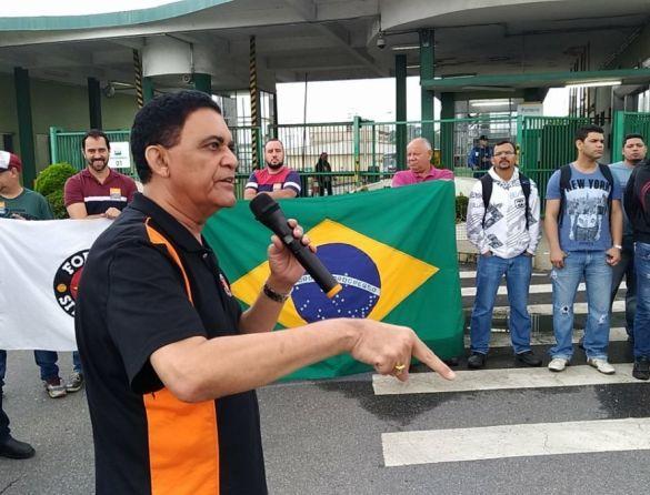 Terceirizados de Cubatão: 'Se for preciso, colocaremos a faca nos dentes', diz Macaé