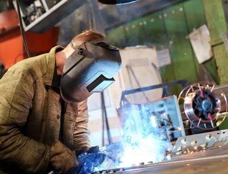 Indústria paulista cresce 3,2% no tri
