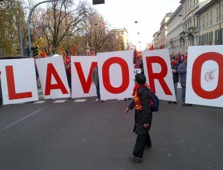 O governo de centro-esquerda da Itália defendeu ontem suas realizações na economia, quatro dias antes das eleições legislativas, após a divulgação de um medíocre relatório mensal de nível de emprego, que mostrou que a taxa de desemprego subiu para 11,1%.