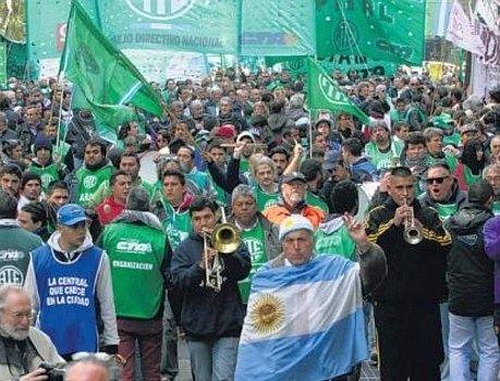 Inflação pode dificultar reforma trabalhista de Macri
