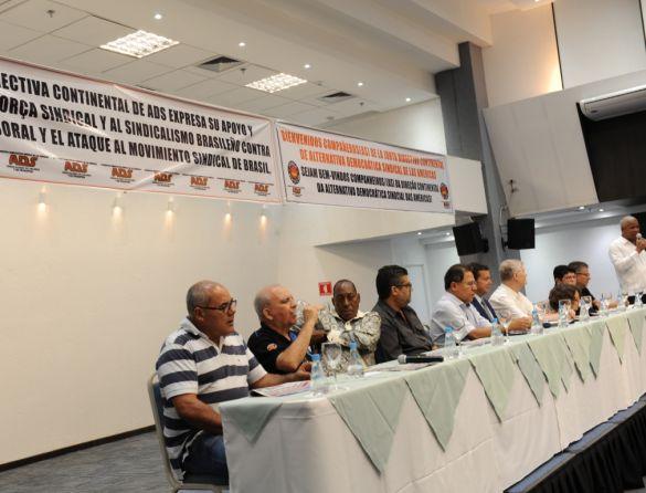 ADS critica reforma trabalhista no Brasil