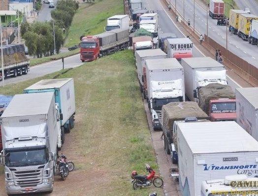 Congresso se concentra em MP para caminhoneiros e temas pacíficos