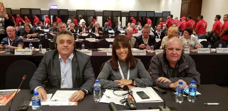 Sindicalistas participam de reunião, no México, do Cômite Executivo da IndustriALL